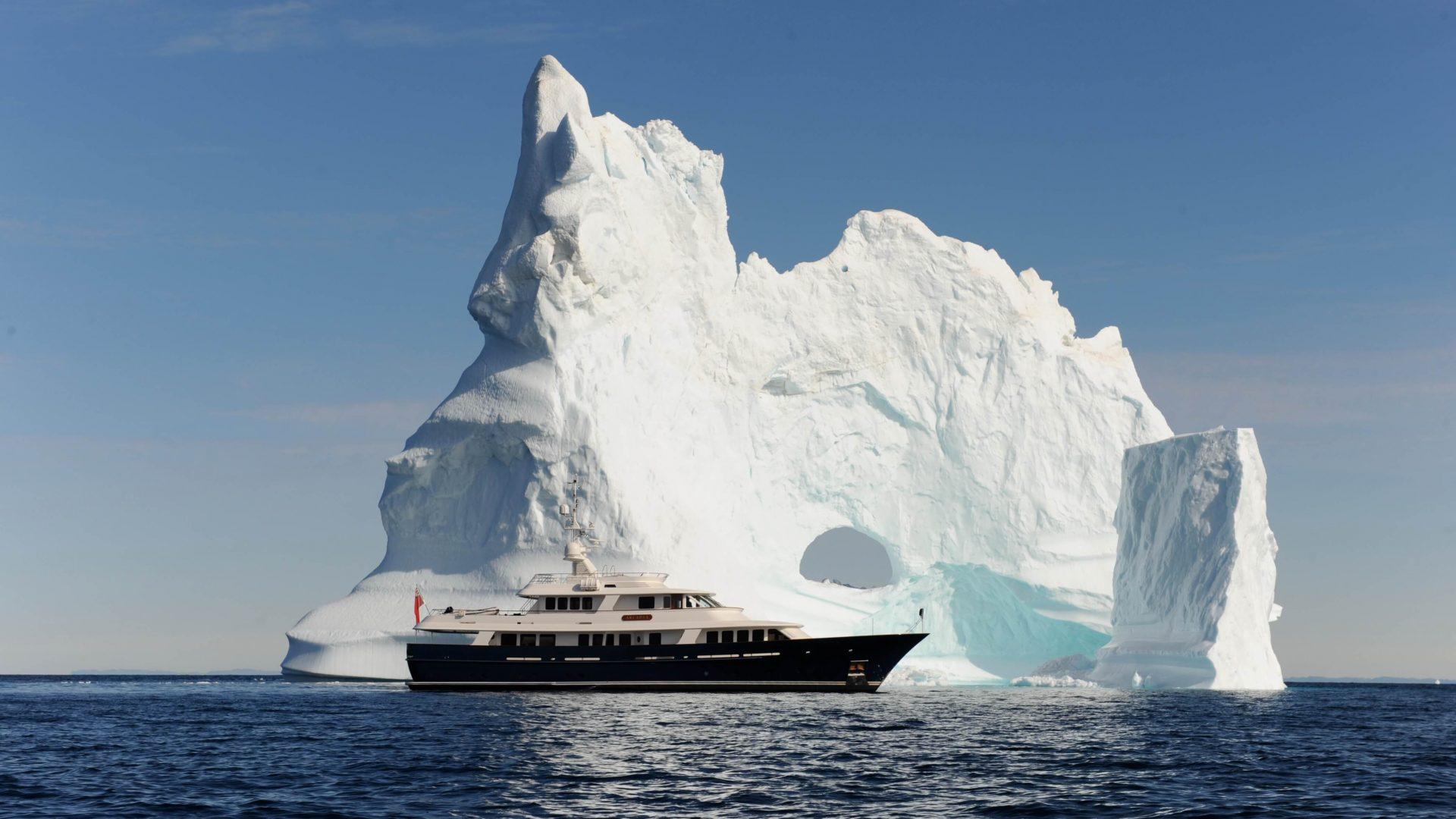 380 yacht Arcadia ARC_4248