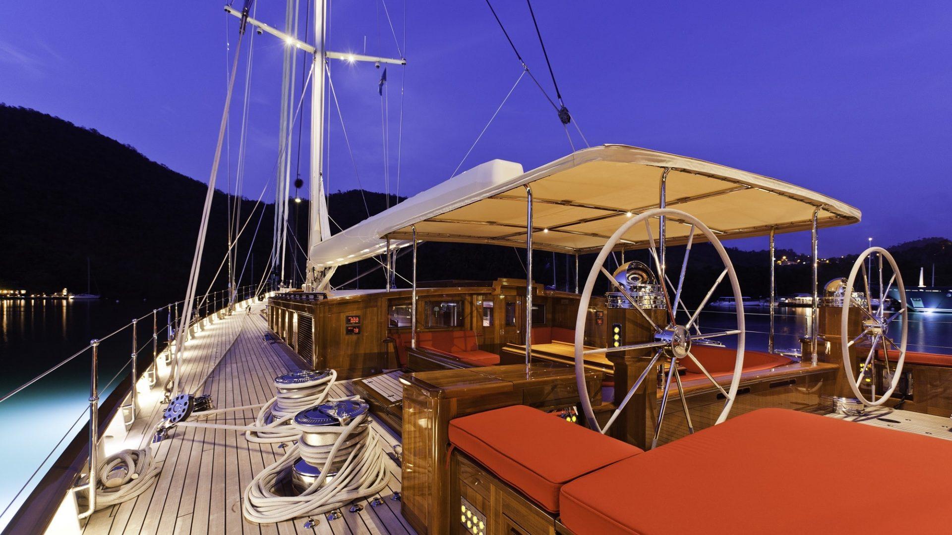 388 Kamaxitha 04_deck 14re silken_2012-03-27-1073-final